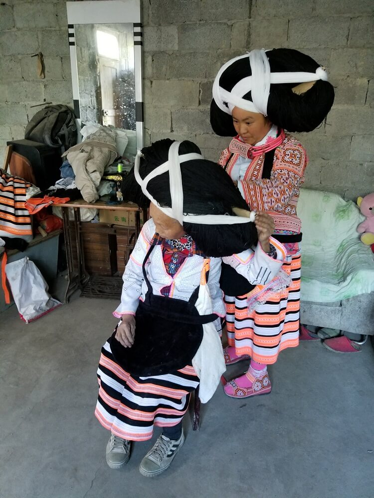 Longhorn Miao traditional clothing