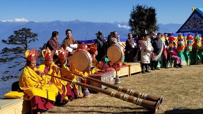 Monks horns Bhutan festival
