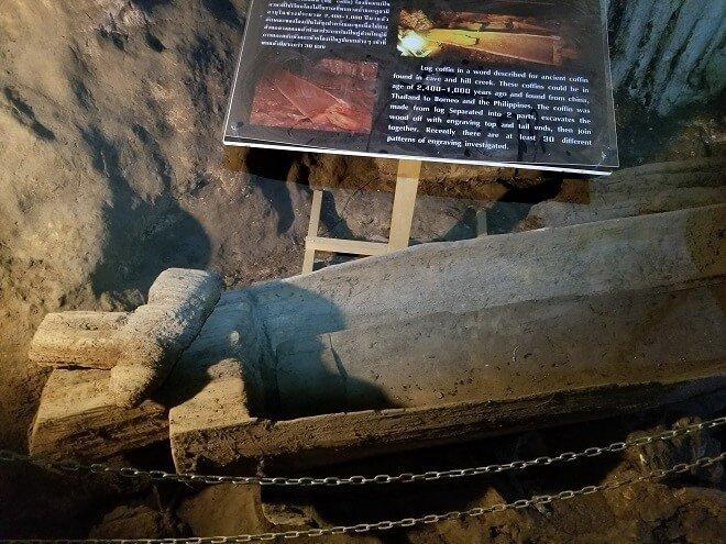 Tham Lod Soppong teakwood coffin