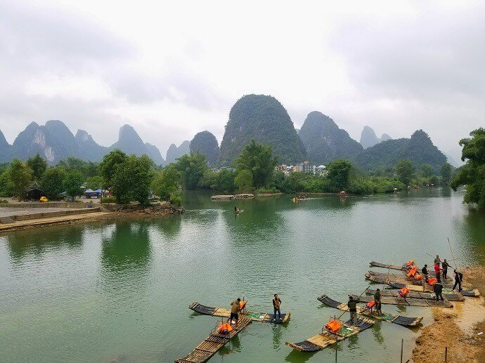 Yulong River Gongnong Bridge