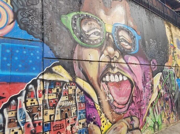 comuna 13 mural